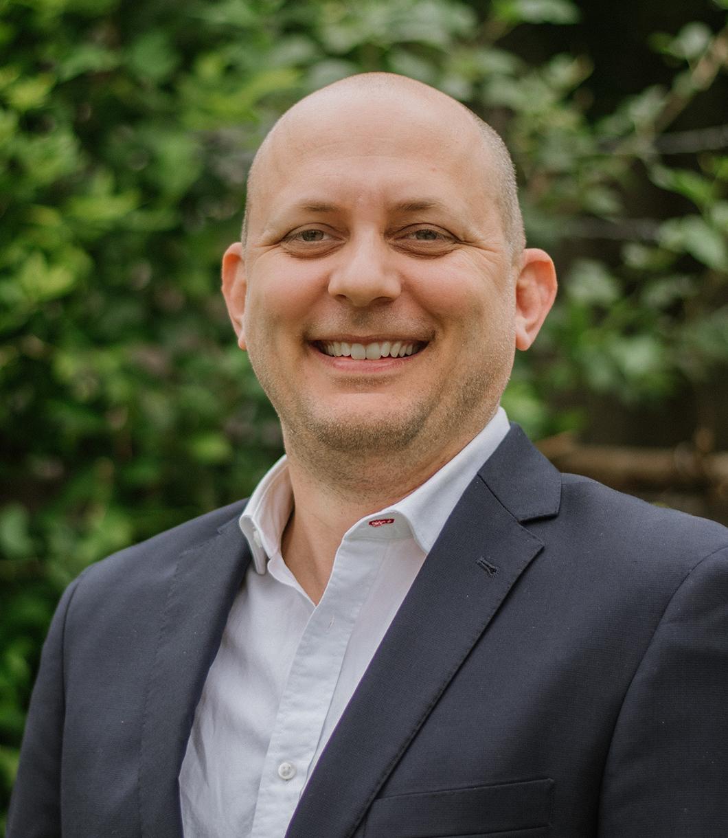 Derek Mroz - Agent at The Reyna Group